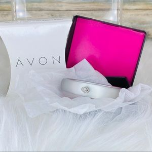 FROSTED EMBELLISHED BANGLE BRACELET- Silver AVON